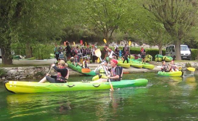 kayak-team-building